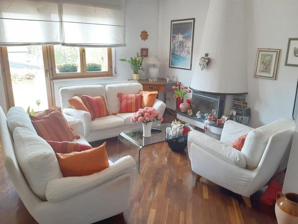 Immagine soggiorno pranzo bicamere due livelli Basaldella