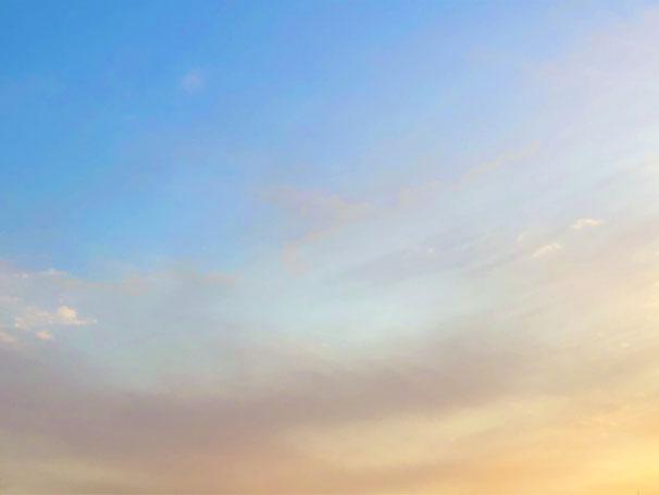 京都市下京区四条烏丸のメンタルクリニック、女医のいる心療内科、空と雲