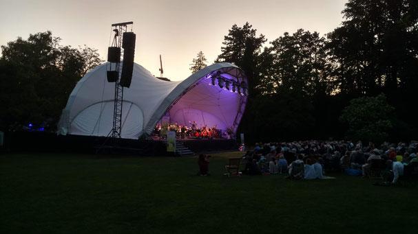 Konzertmuschel, Rundbogen Bühne, Open Air