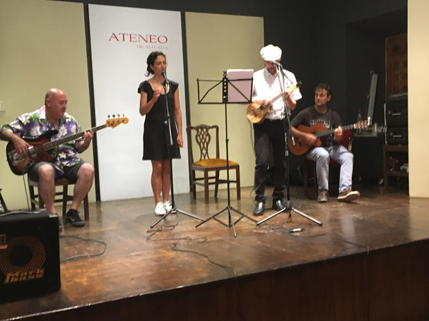 De izquierda a derecha: José Luis González Vera, Beatriz Cervera (vaya, riman!), un servidor y Eduardo Retamero.
