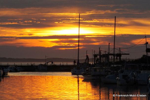Sonnenuntergang am Meer in Andernos.