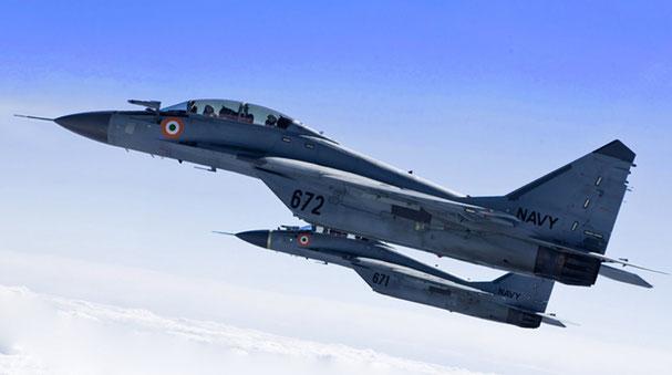 Una coppia di MiG-29K dell'Indian Navy (Foto: Indian Navy)