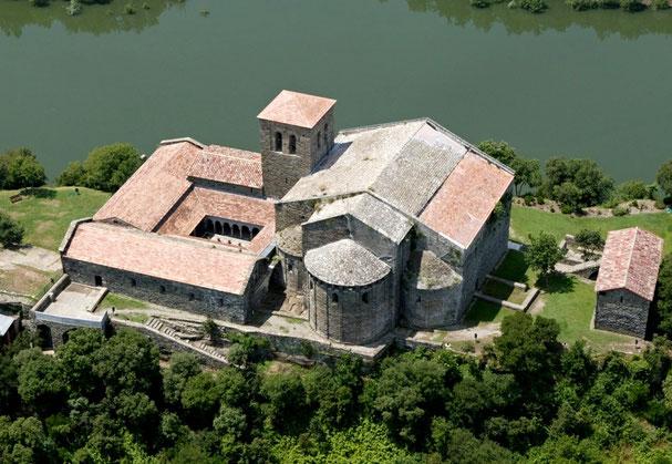 Монастырь Сант Пере де Касерес, Каталония. Живописные места Каталонии