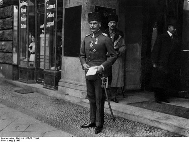 Marschall (preuss. General) Otto Liman von Sanders (Pascha) Oberbefehlshaber der osmanischen 5. Armee später Oberbefehl  Asienkorps und Heeresgruppe Y.  Er schlug die Invasionsarmee der Alliierten bei Canakkale (Bundesarchiv)