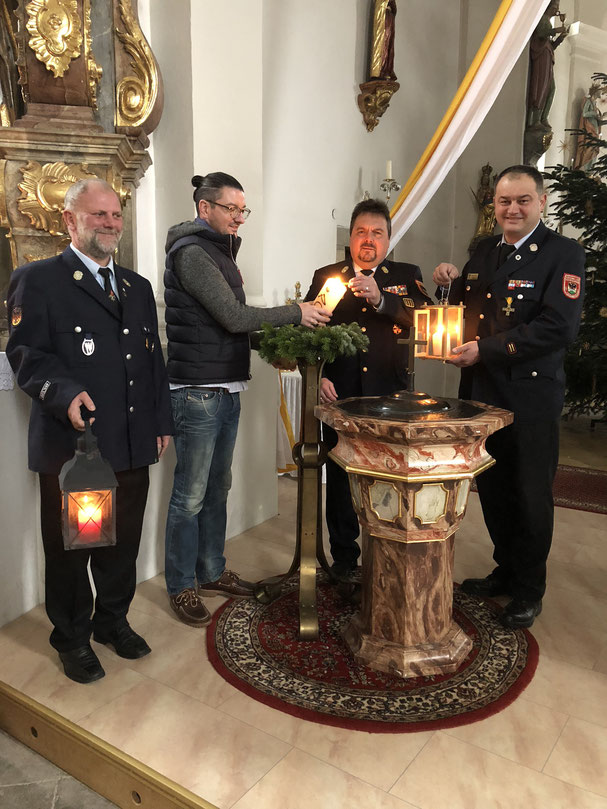v.L: Stv. Kdt. Jan Thomsen; Pfarrer Philipp Höppler; KBI Bernhard Süß; Kommandant/KBM Ludwig Jacob