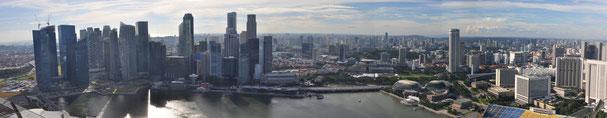 Aussicht vom Skypark auf die Marina Bay