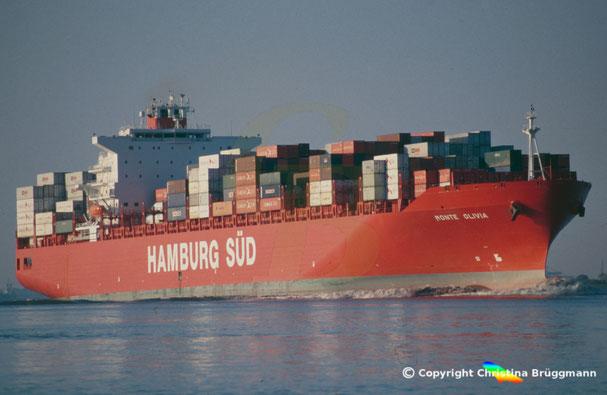 Containerschiff MONTE OLIVIA, Elbe 2006
