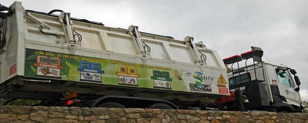 l'un des 25 camions du Syndicat
