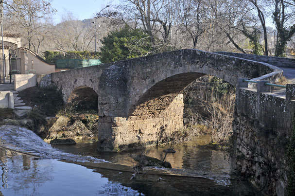 le pont du Gourgaret sur la Bresque
