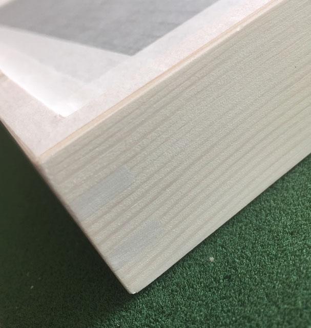 Einrahmen; Rückenkarton AMU11 / Holzrahmen gefedert & lasiert