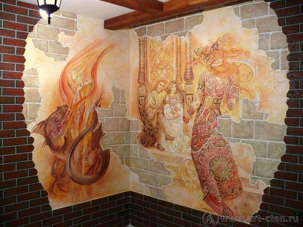 Один из  VIP – залов ресторана «Старый замок» декорирован фресками