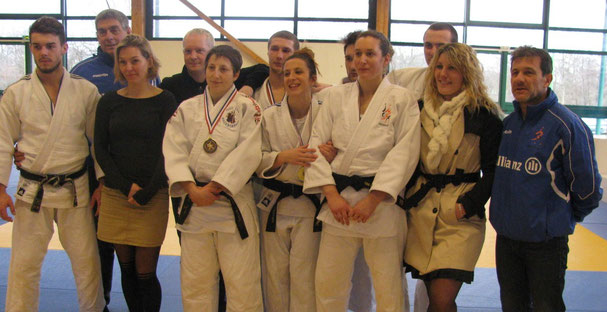 Les judokas argentanais et leurs supporters
