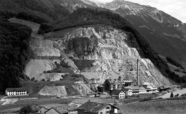 Kalkfabrik nach 1912 mit Kantine und Werkwohnungen.