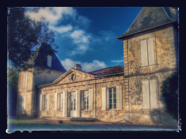 Façade côté jardin du Château La Hitte AOC Buzet