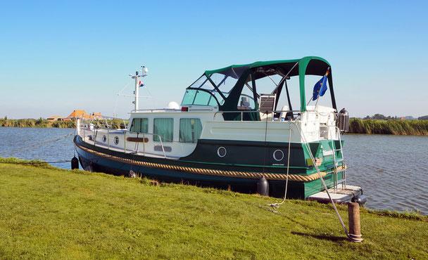 solche Boote mit wenig Masse unter Wasser und viel darüber sind nicht geeignet für offene Gewässer