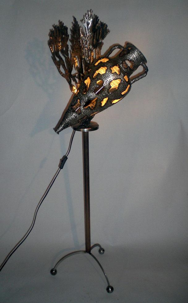 Lumière des profondeurs    Hauteur 130cm     Inox