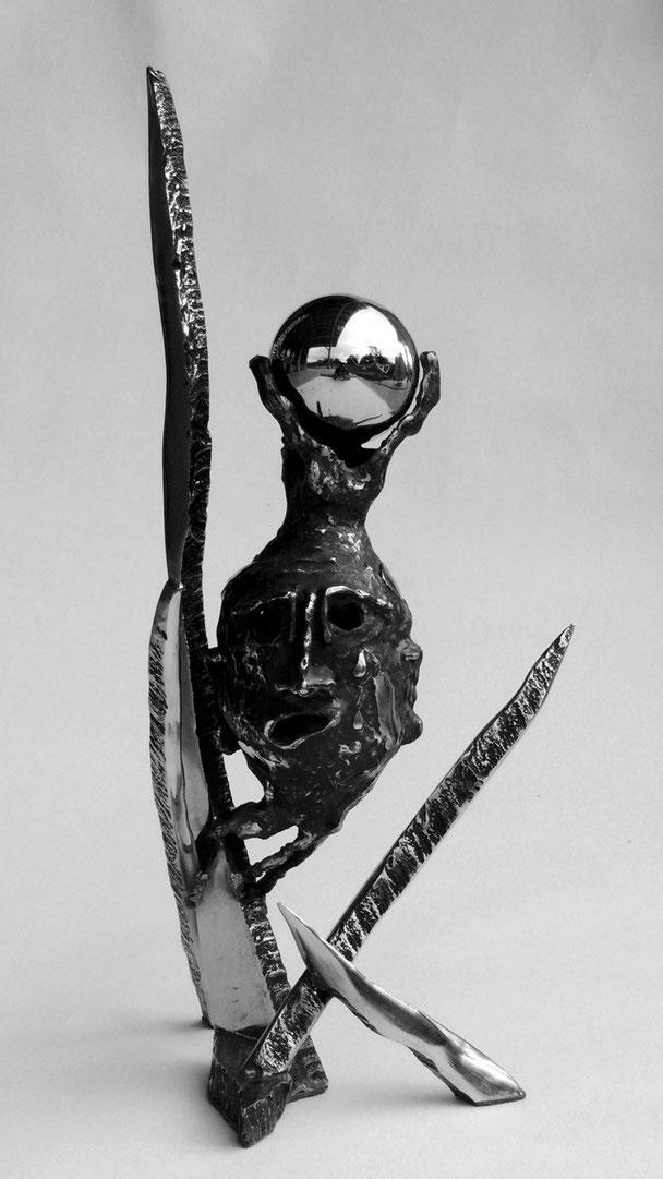 Déshumaniser   Hauteur 54cm     Inox