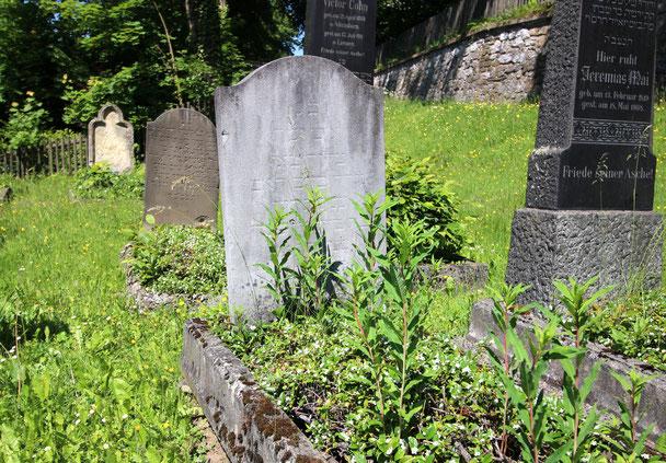 Eine Grabstelle auf dem Jüdischen Friedhof in Attendorn