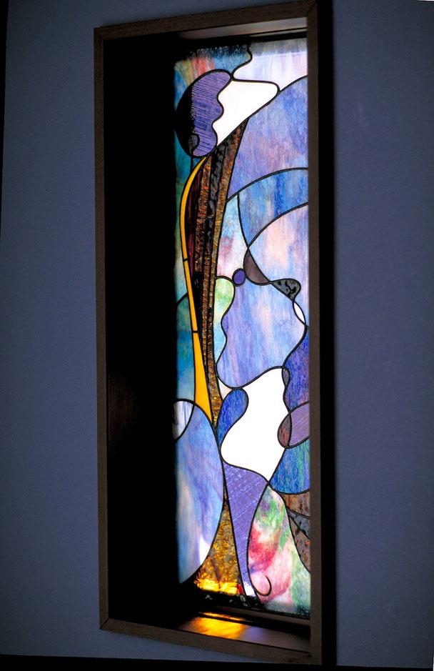 ステンドグラス  抽象的なデザイン スペイン風アールヌーボー的