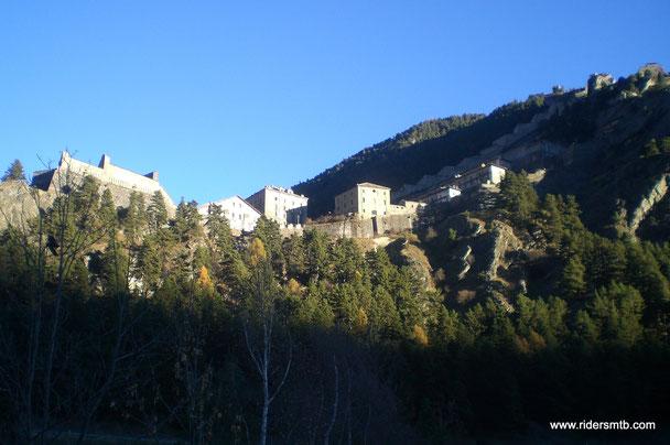 Partiamo dal Pinerolese alle 07.00 con 4 gradi e, incredibilmente, alle 07.45 in zona Villaretto ci sono ben 14 gradi.....pazzesco!