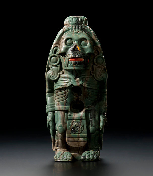 Ungewöhnliche Figur des Gottes Quetzalcoatl aus Grünstein, Aztekenreich