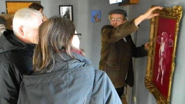 Andreas Schmelzer (rechts) möchte mit seiner Kunst Neues erleben.