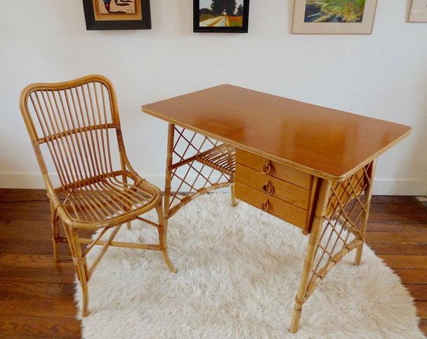 JOLI, bureau rotin, bureau Louis Sognot, bureau vintage, années 50