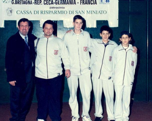 ANNO 2001 8° cl. JUGOSLAVIA - NOVAK DJOKOVIC (2° da destra)