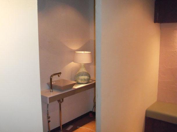 間仕切り壁造作&手洗場新設