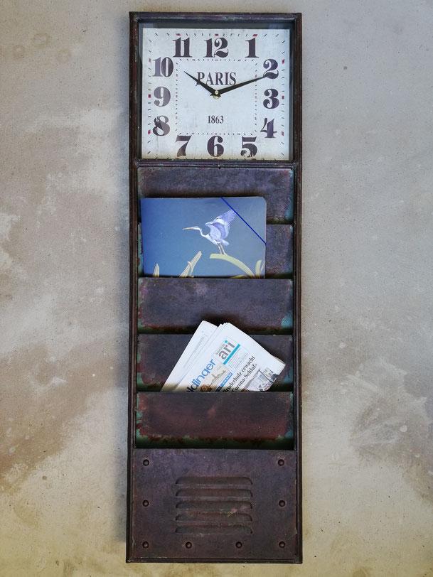 Vintage Metalluhr Eisenuhr Flur Eingang Retro Briefhalter Briefablage Industrie Zeitungshalter Magazinhalter Zeitschriftenhalter