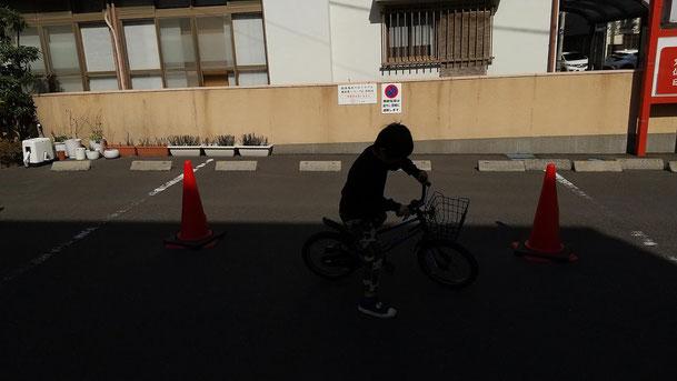 自転車練習中の写真