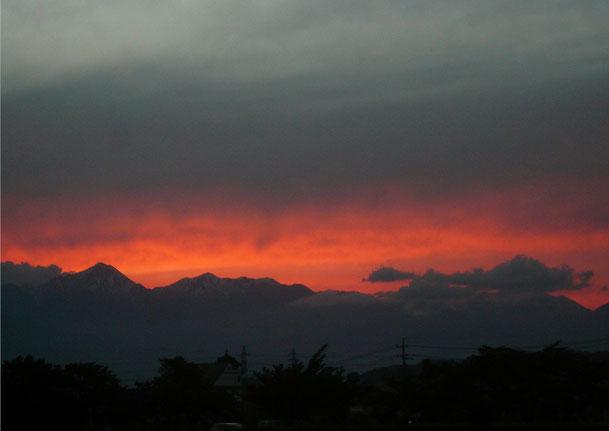 夕焼けに映える北アルプス H25年05月