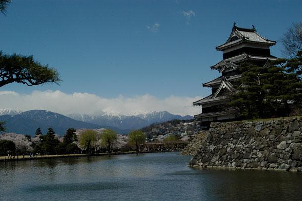 長野県 松本市 松本城と北アルプス  Nikon D100