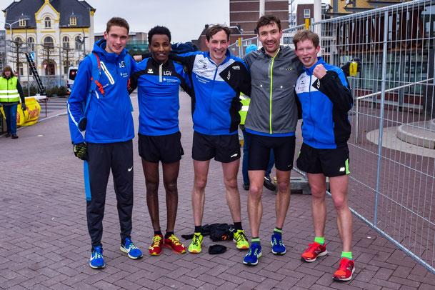 Das Männer Team der LGV beim Parelloop in Brunssum 2018: Tom Reuter, Samuel Fitwi, Yannik Duppich, Andreas Keil und Christoph Gallo (v.l.n.r.). Der Rheinland-Pfalz Rekord über 10 km Straße mit der Mannschaft steht seitdem bei 1:32:39 h.