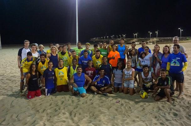 Vereinsmitglieder gemeinsam mit Kindern unseres Projektes in Fortaleza (2016)