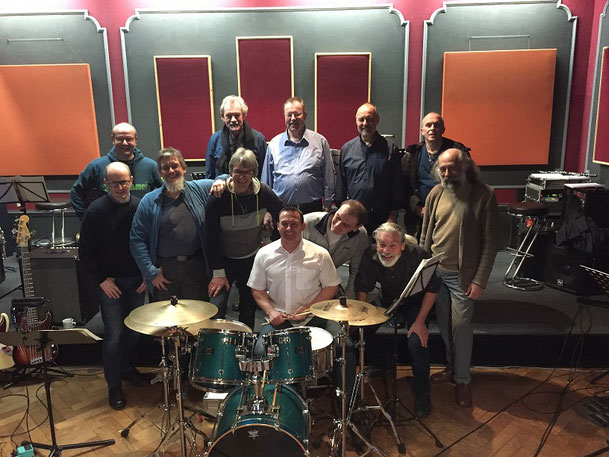 Die Bandmitglieder der James Herbert Band