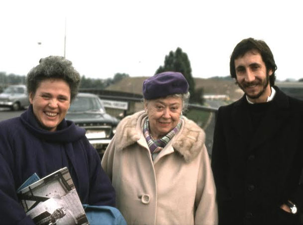 Pete with Charmain duce-Knowles ( left ) and Mushida Ivy Duce ( right )