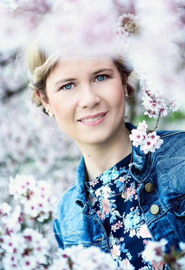 Frühlingsshooting. Kirschblüten, Cherry Blossom, Fotografie Diana Krüger, Porträtshooting, Fotografin Hohenstein-Ernstthal