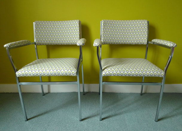 fauteuils chrome et tissu 70's JOLI