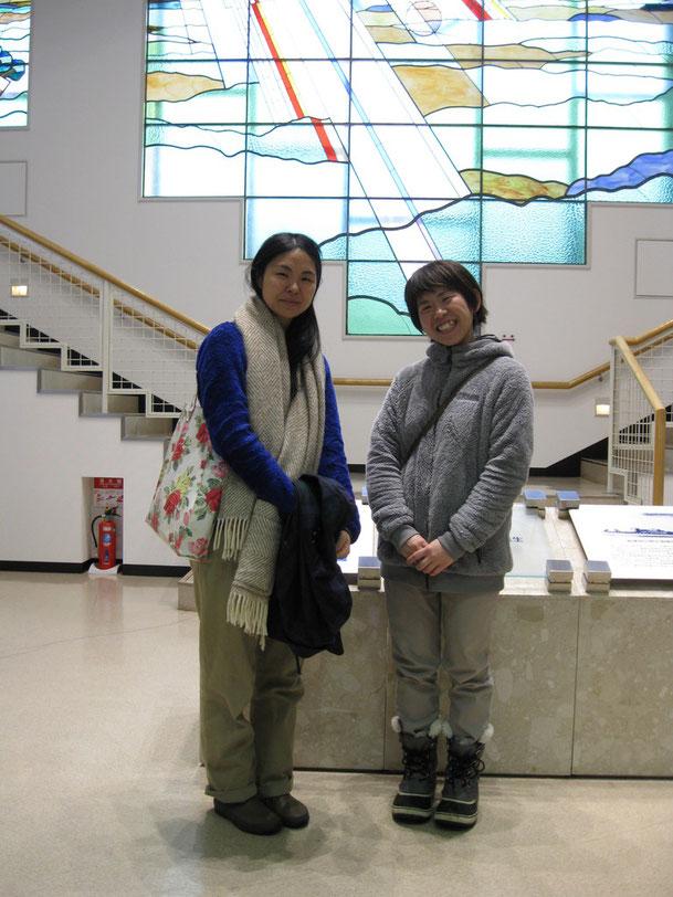 写真右側:K・F様(長崎県ご出身)、左側:A・N様(千葉県ご出身)