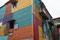 La Boca ... lange nicht das ganze Quartier ist aus diesen farbigen Wellblechhäusern gebaut.