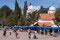 Humahuaca - auch im auf 2989 MüM gelegenen Ort mit 8000 Einwohnern reiht sich am Dorfplatz Stand an Stand.