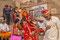 """Brautpaar - in Indien sind die meisten Ehen arrangiert! Die Eltern der Braut sind in dieser Paarwahl die Treiber. Wir mussten mehrmals hören (und somit """"lernen"""", dass arrangierte Ehen viel besser sind - das müsse so sein!"""