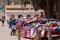 Purmamarca - in den Orten reihen sich die Verkäufer dicht gedrängt Stand an Stand