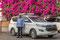 Ja, und wie reisen wir eigentlch? Alleine, ohne Gruppe. Mr Jagroop Singh fährt uns mit seinem bestens ausgerüsteten Toyota von Ort zu Ort und hat eine Engelsgeduld mit uns ... Stop hier, Stop da, Hotel kaum zu finden ...  Mr. Singh ist grossartig gut.