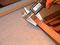 Beim Herrichen der Reifchenleisten kommt der digitale Messschieber zum Einsatz.