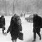 Passanten im Schnee | analoges Foto / Handabzug S/W | 1994 | Dnjepropjetrowsk