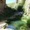"""Au fond du canyon, sous le """"pont de Satan', on peut se baigner dans un trou d'eau de la Vorotan"""