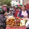 Marché de rue avec ses célèbres cuis grillés