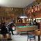In der Glacier Inn Bar sind alle Wände tapeziert mit Dollarscheinen (siehe Bericht)